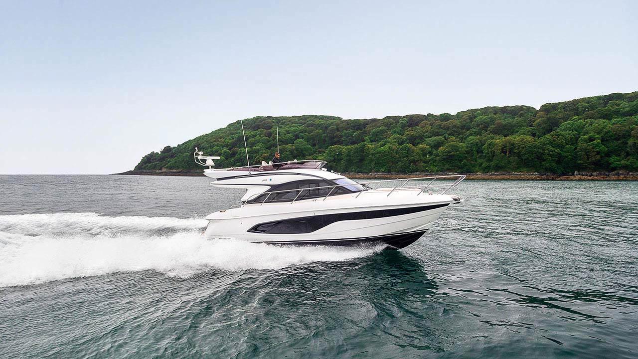 1-f45-exterior-white-hull-01