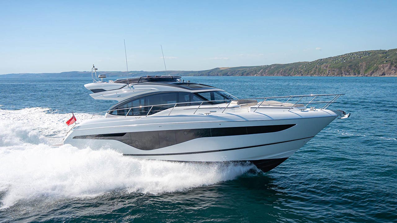1-s62-exterior-white-hull-6-thumbnail