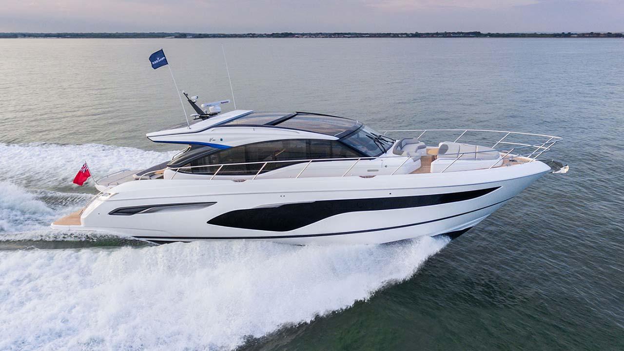 1-v60-exterior-white-hull-3
