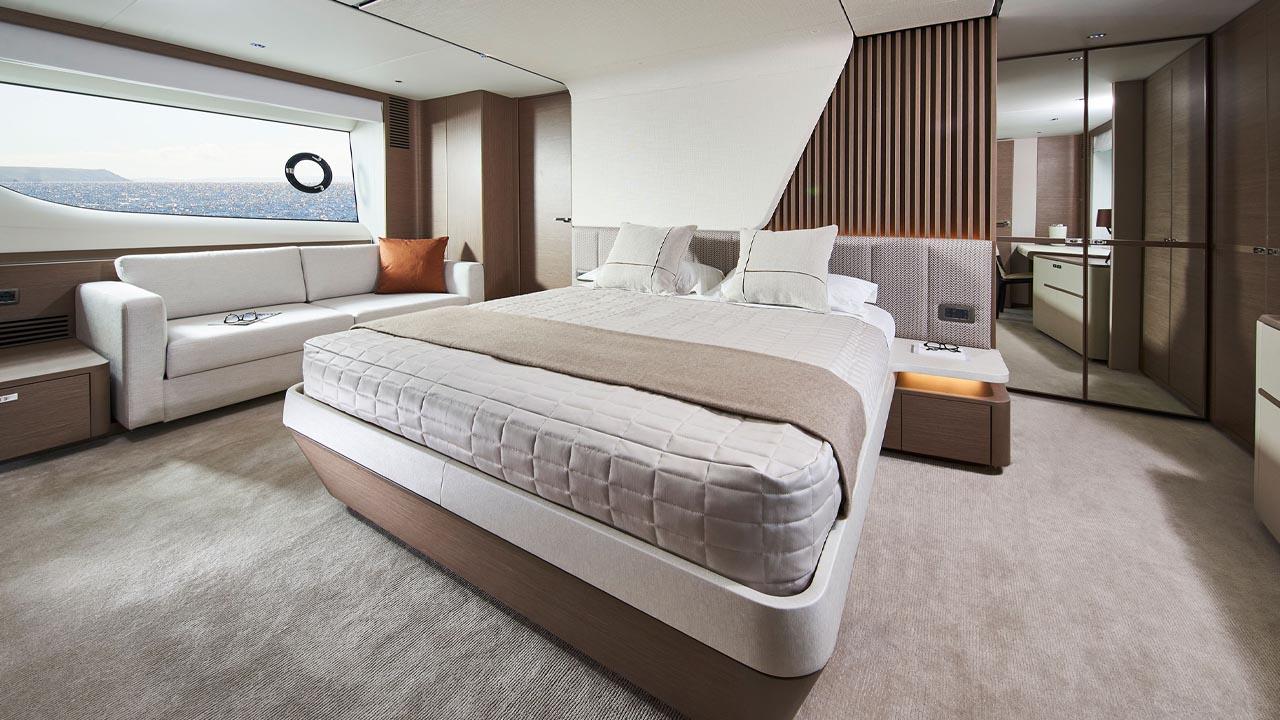 10-y85-interior-silver-oak-satin-master-stateroom-1