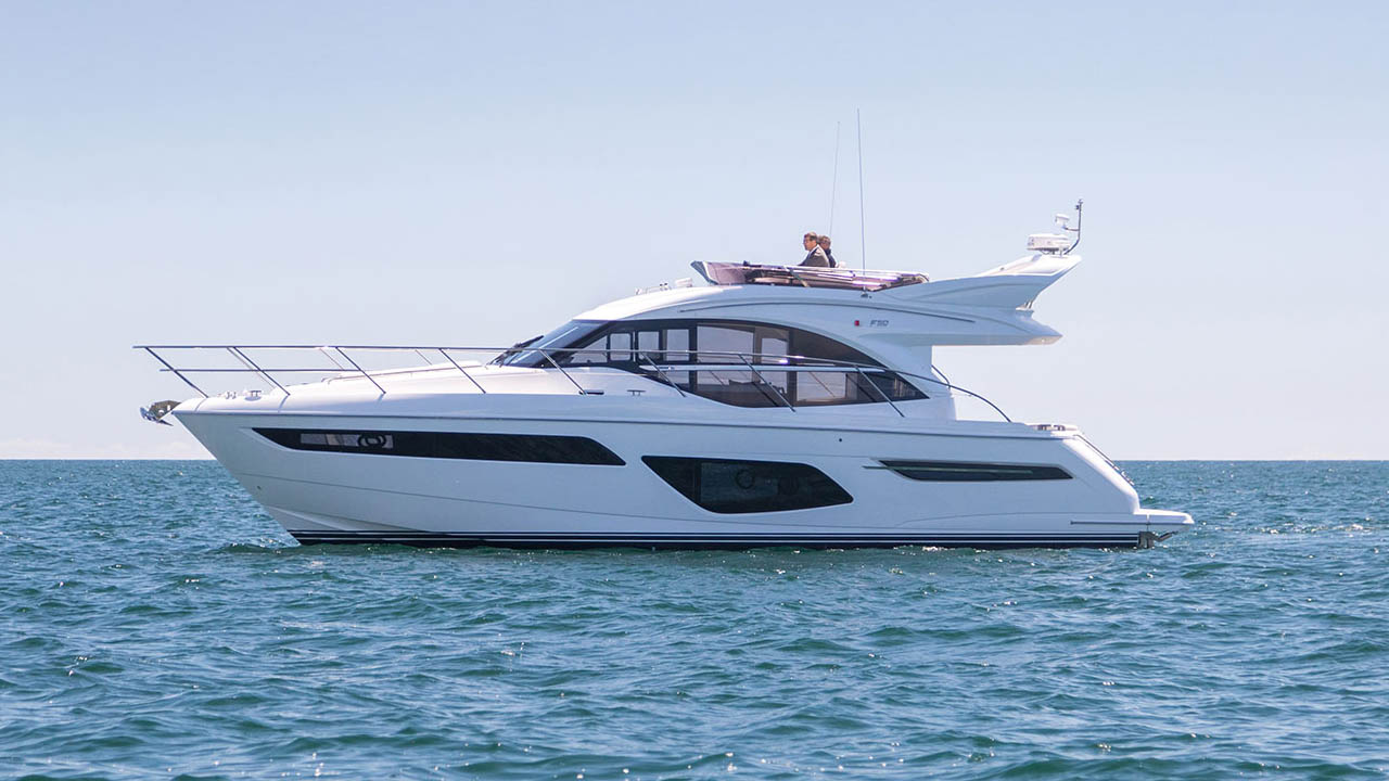 3-f50-exterior-white-hull-04