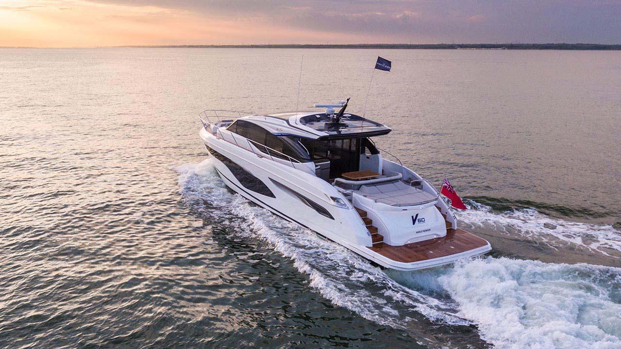 3-v60-exterior-white-hull-5