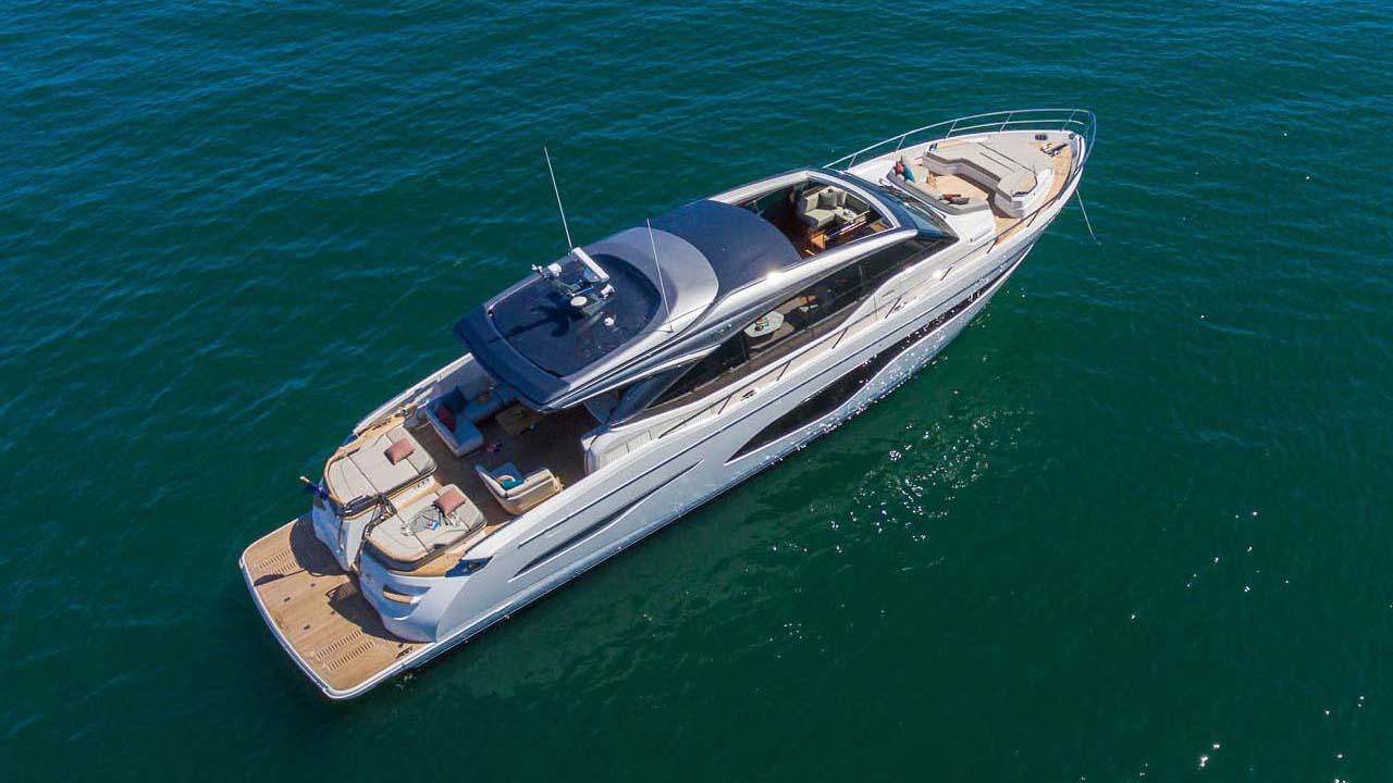 3-v78-exterior-white-hull-03
