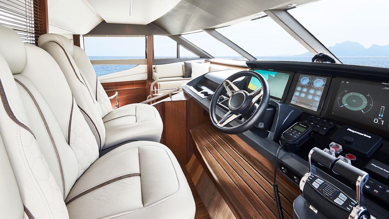 3-y78-interior-helm-2-walnut-satin