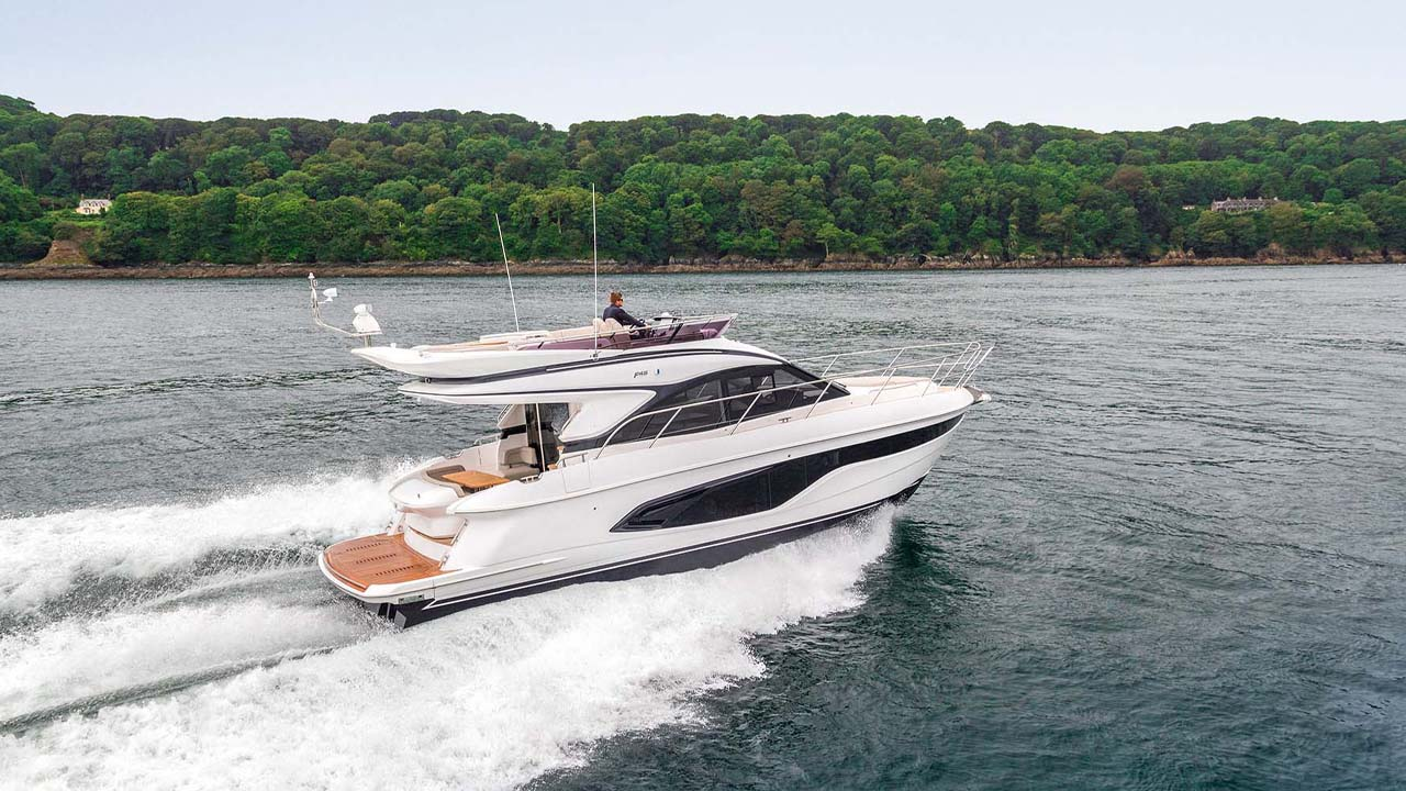 4-f45-exterior-white-hull-04