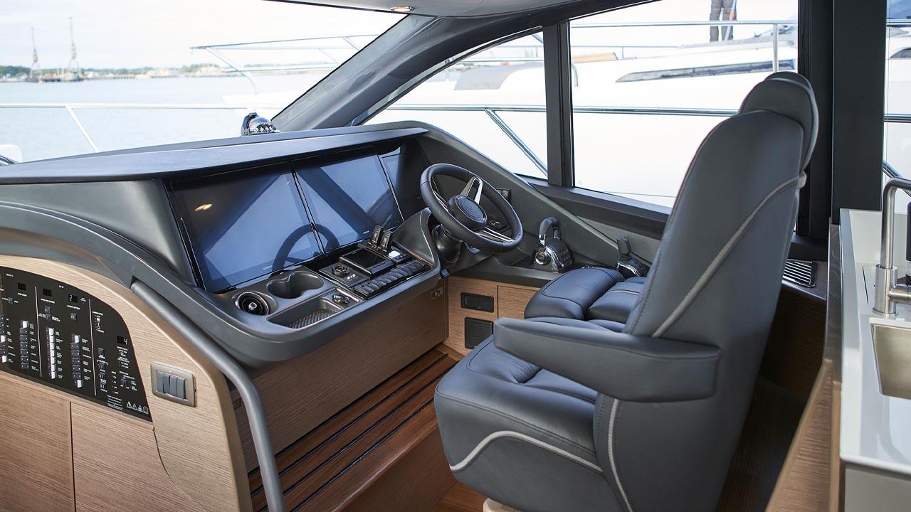 4-v55-interior-helm-press-images