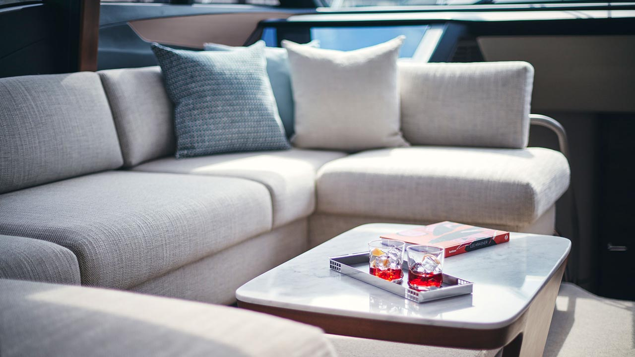 5-s66-interior-saloon-seating-detail-walnut-satin