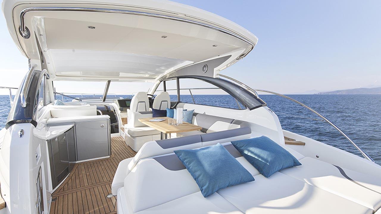 6-v50-open-exterior-main-deck