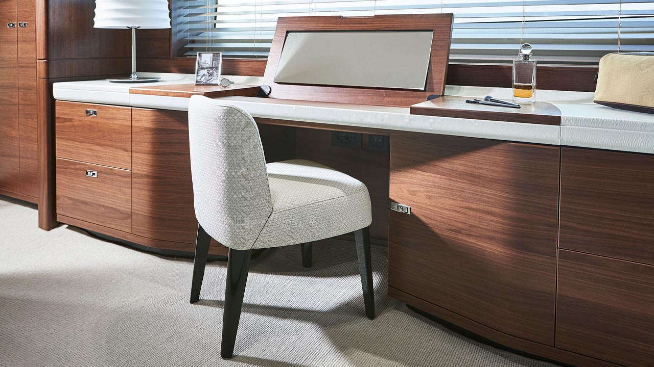 6-y78-interior-owners-dressing-table-open-walnut-satin