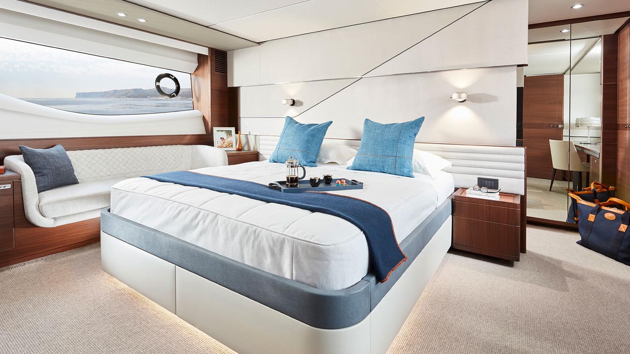 7-s78-interior-owners-stateroom-(2)