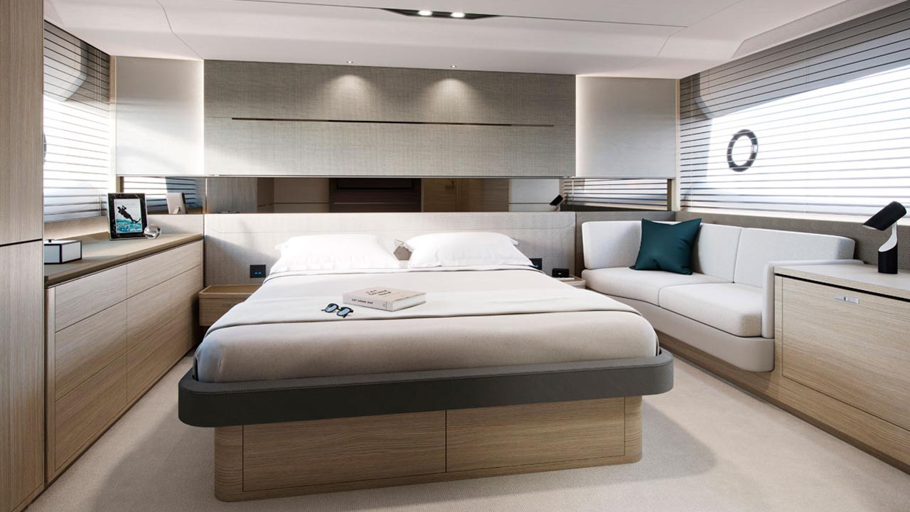 7-v60-interior-owners-stateroom