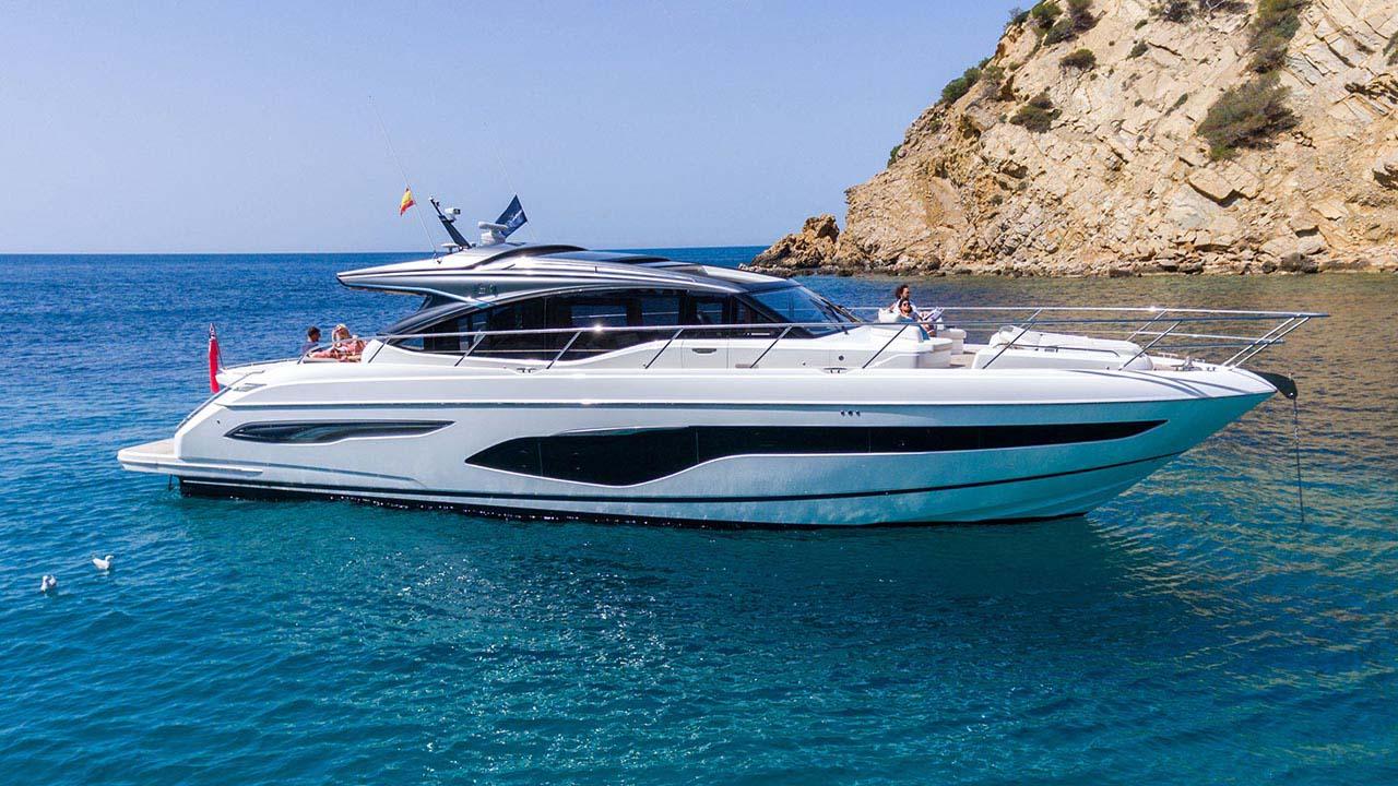 7-v65-exterior-white-hull-4