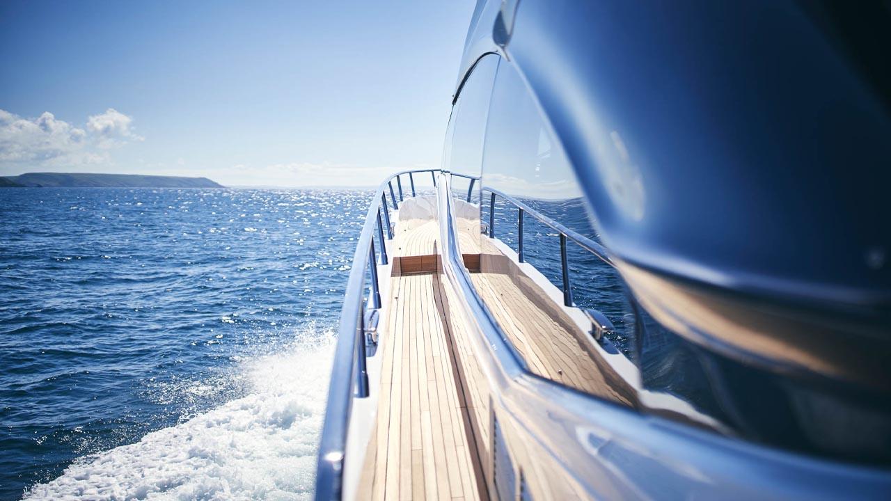 7-v78-exterior-side-deck-detail