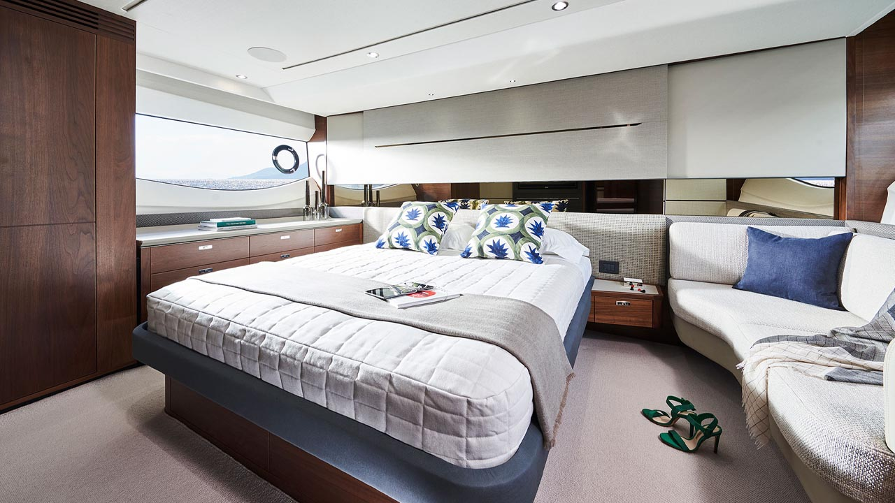 9-s62-interior-owners-stateroom