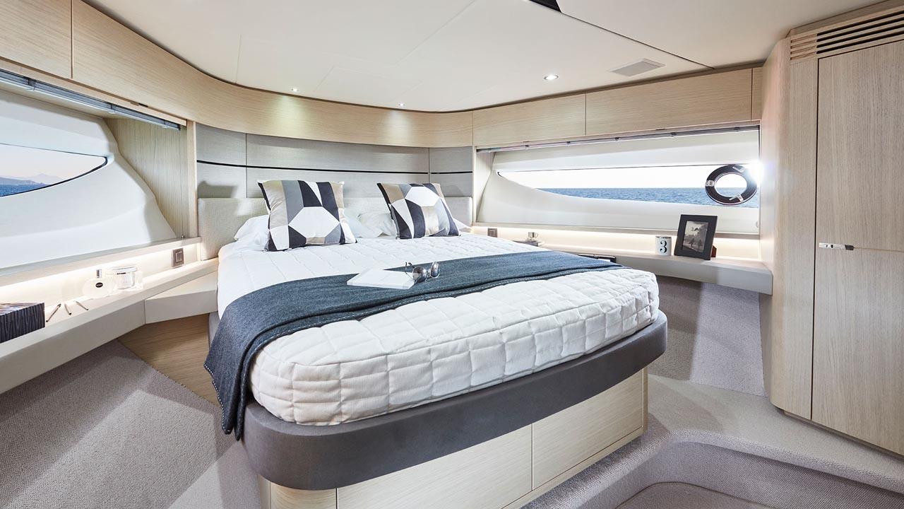9-v60-interior-forward-cabin-alba-oak-satin
