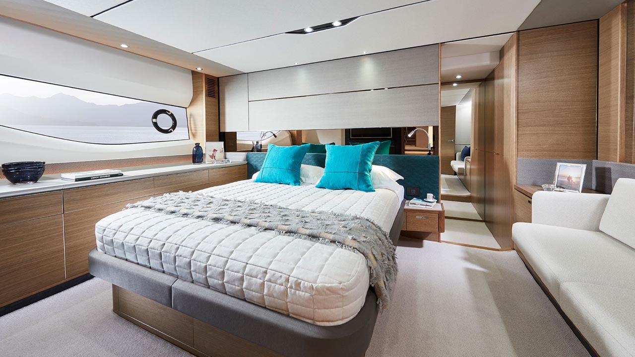 9-v65-interior-owners-stateroom