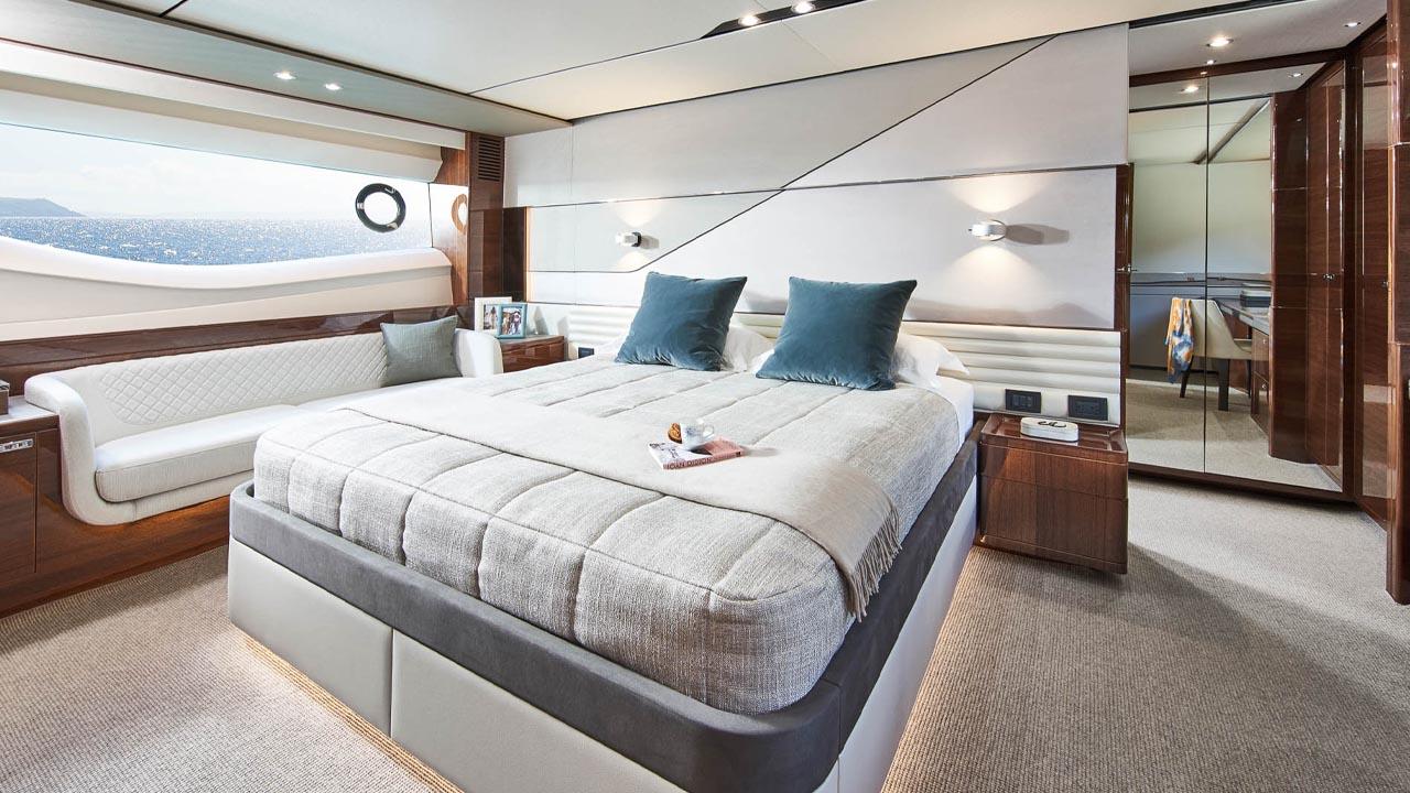 9-v78-interior-owners-stateroom-walnut-gloss