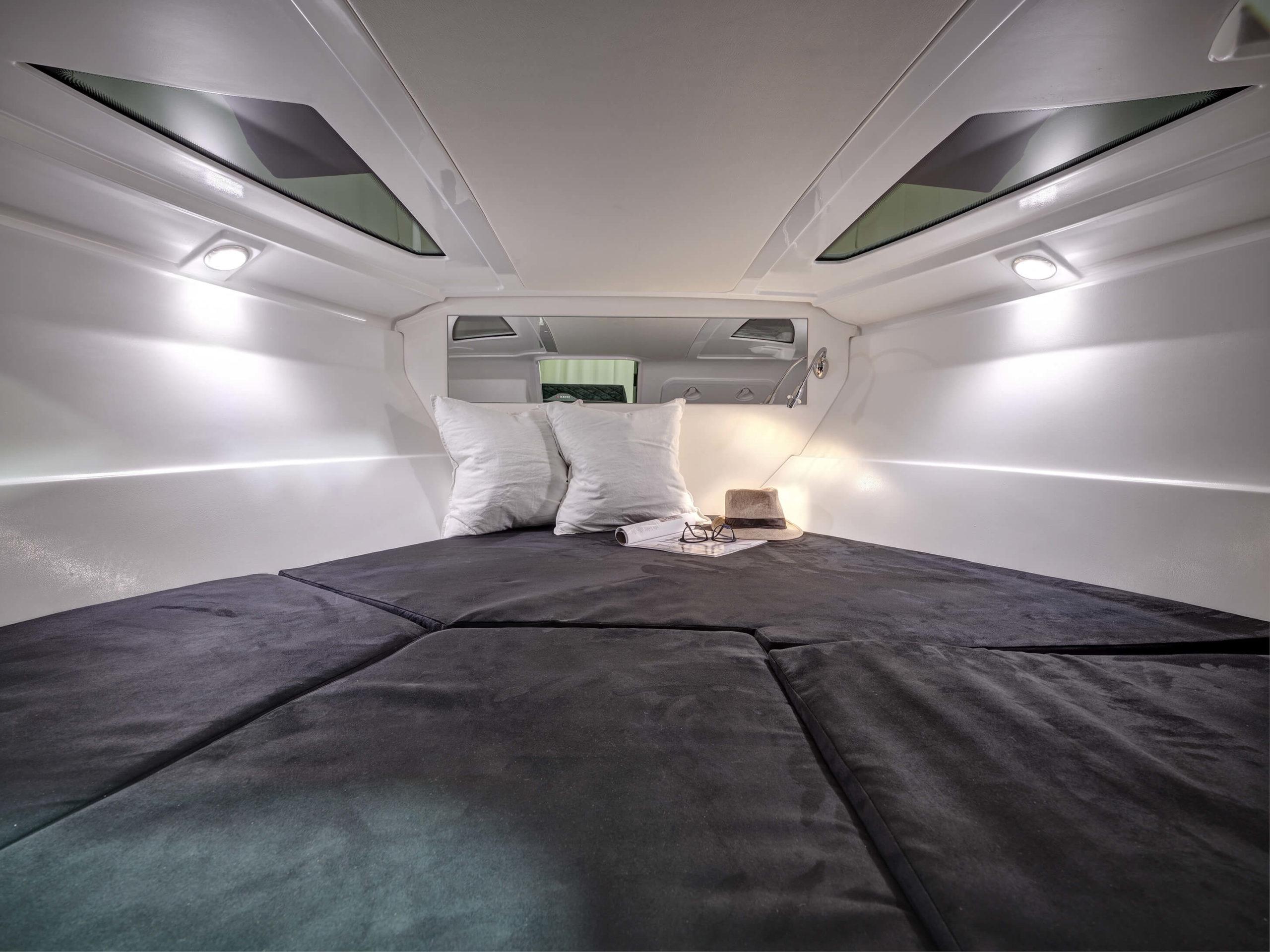 Ibiza_680T_DSCF0028_cabin