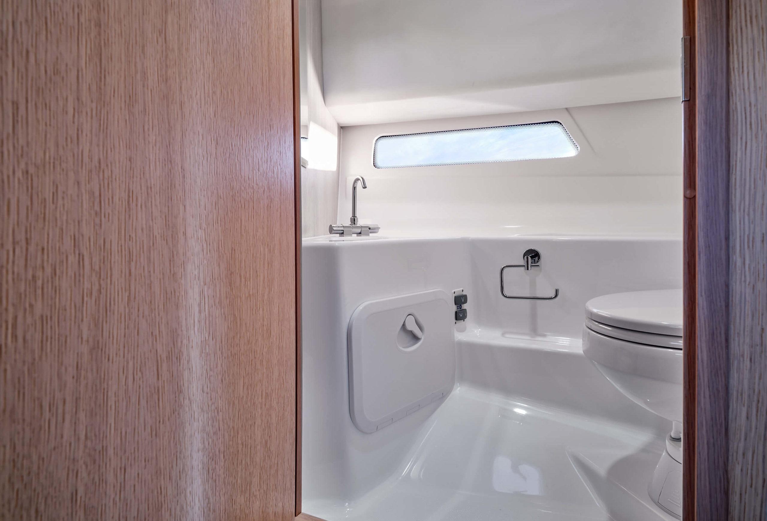 Ibiza_GrandExplorer_interior-wc_DSCF9630