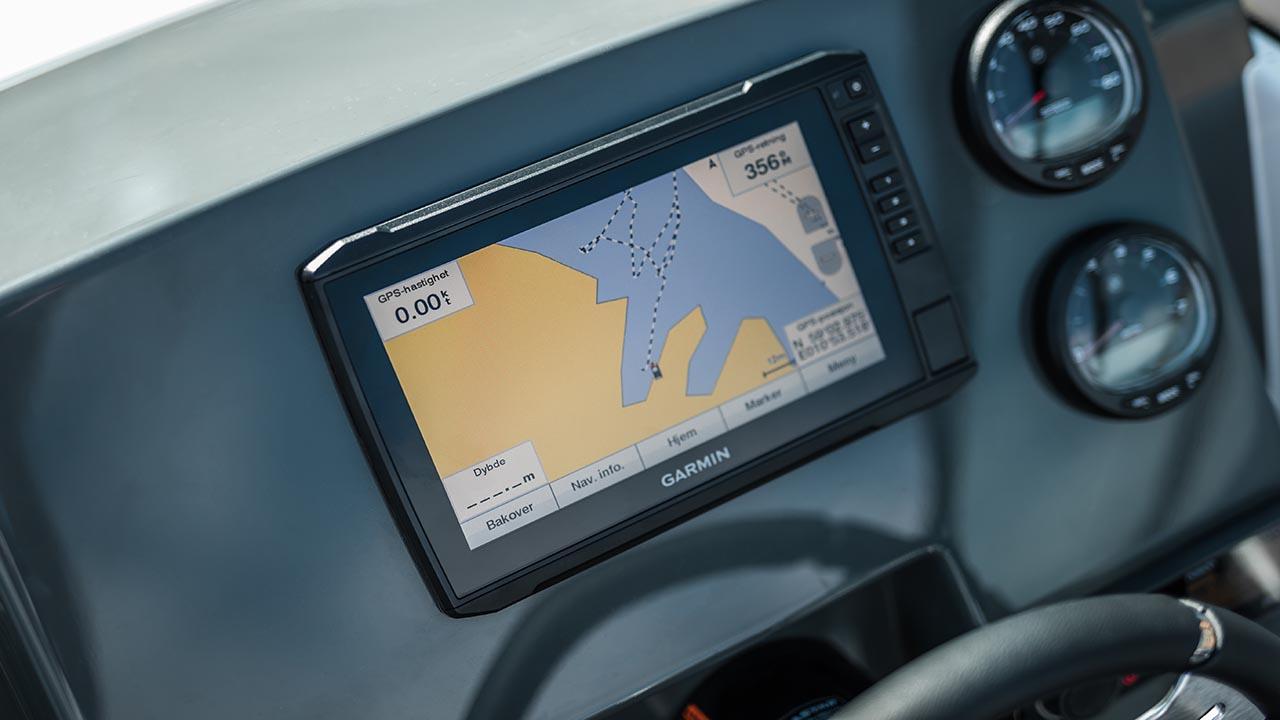 Sting 610 BR details - dashboard and navigation