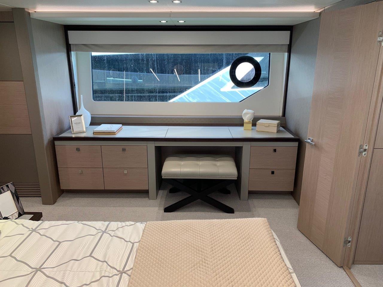 76 Yacht - Split Interior (1)