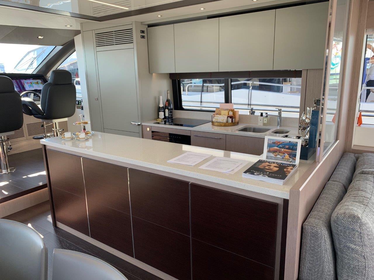 76 Yacht - Split Interior (12)