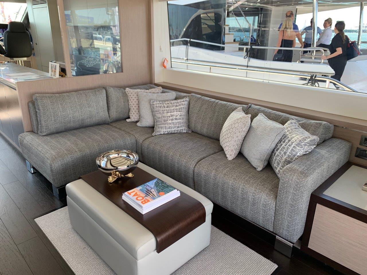 76 Yacht - Split Interior (13)
