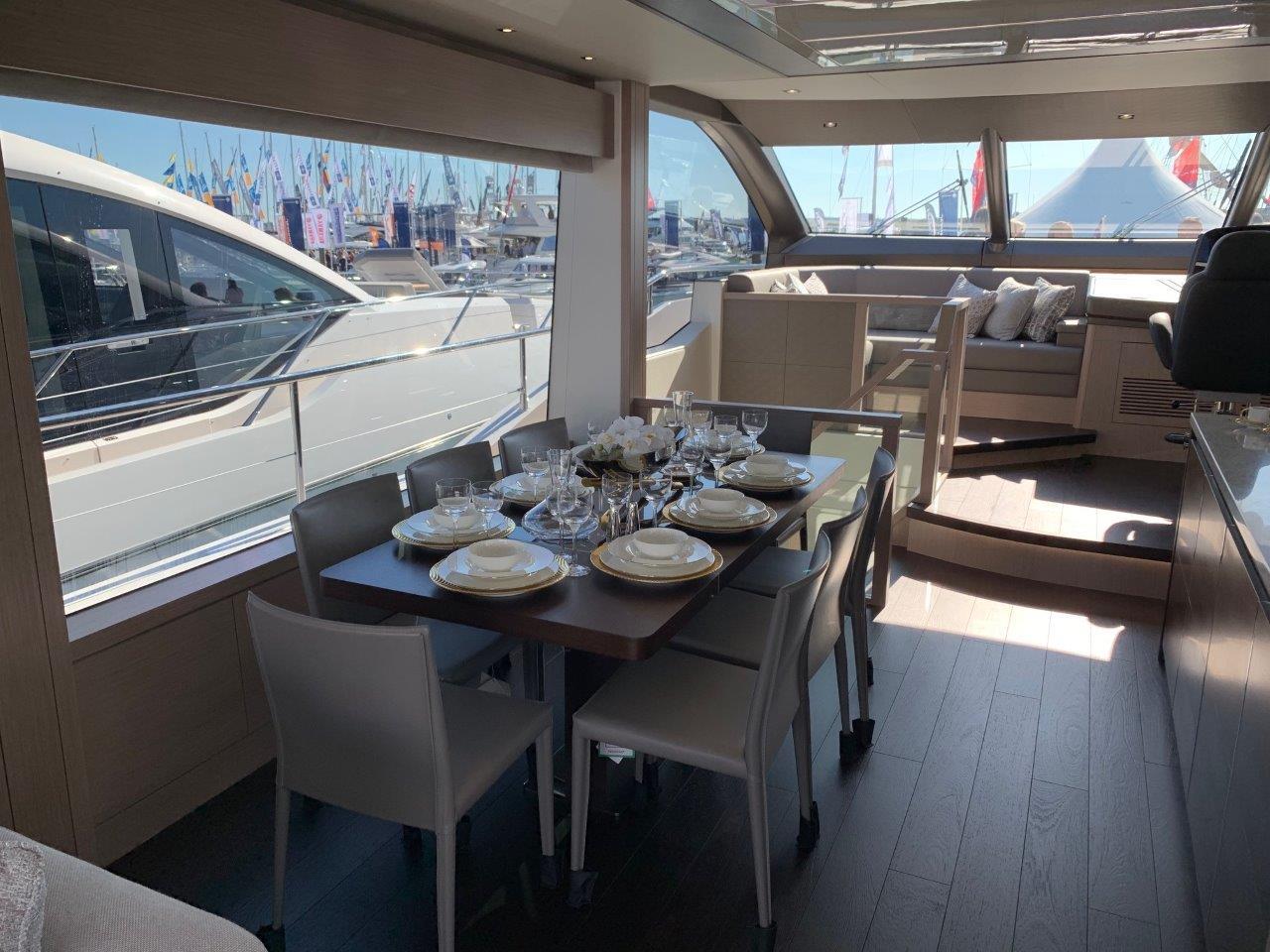 76 Yacht - Split Interior (14)