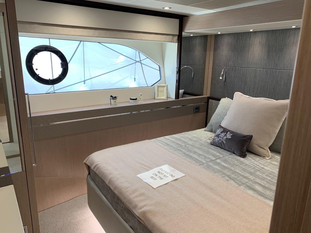 76 Yacht - Split Interior (19)