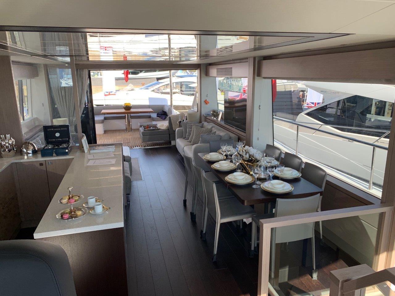 76 Yacht - Split Interior (24)