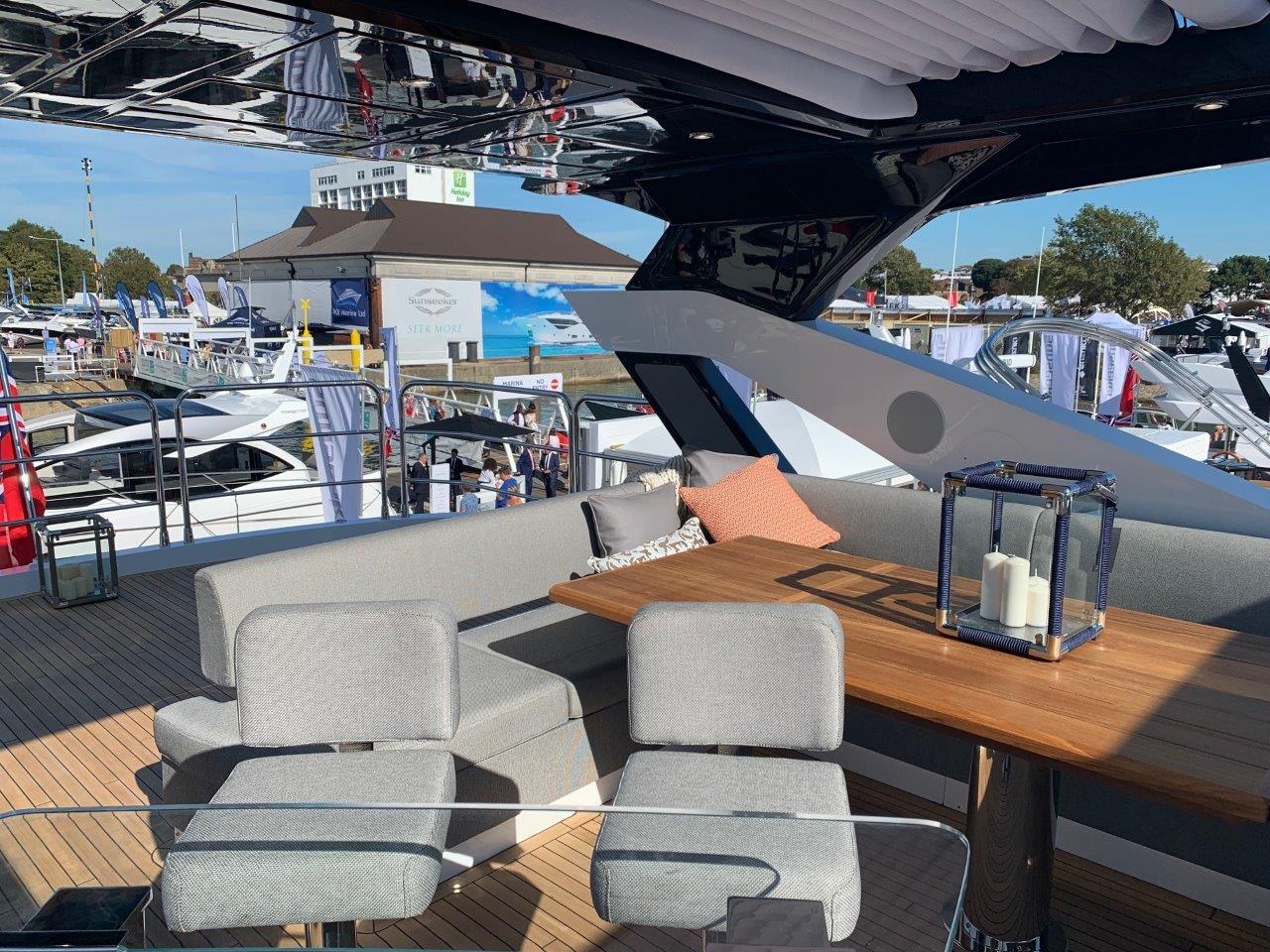 76 Yacht - Split Interior (26)
