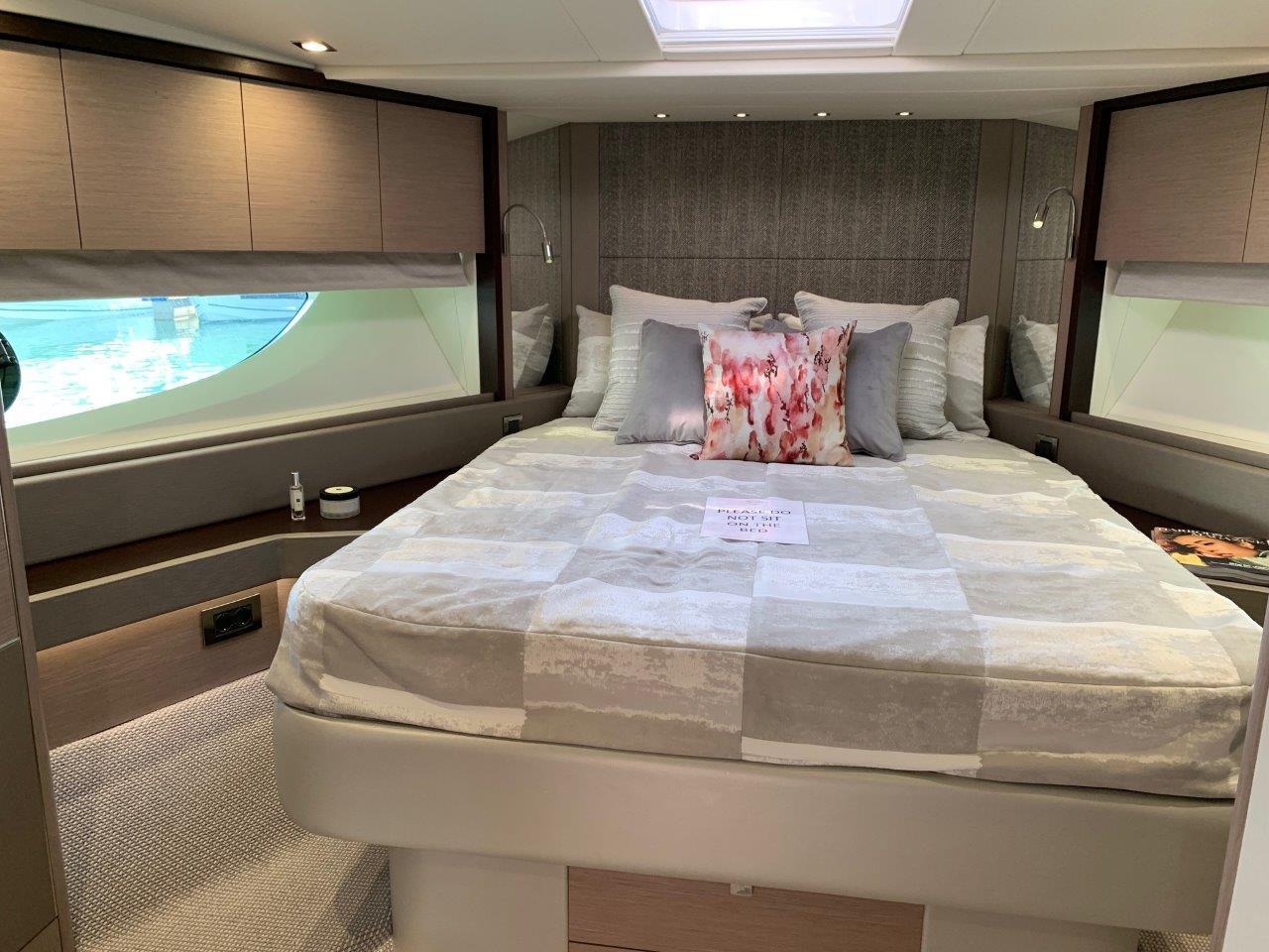 76 Yacht - Split Interior (3)