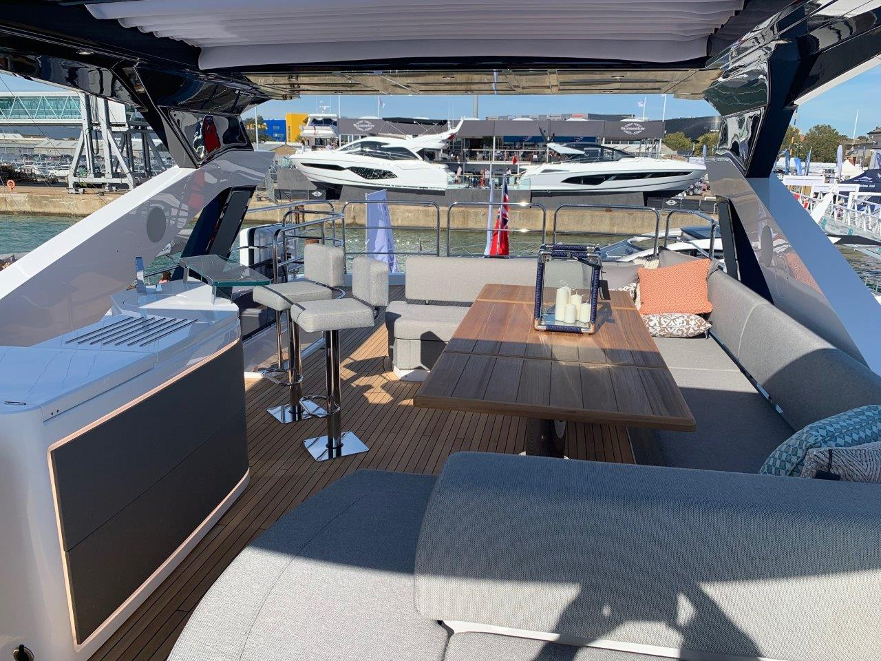 76 Yacht - Split Interior (30)