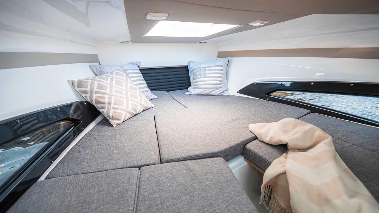 Noblesse 720 details - cabin overview