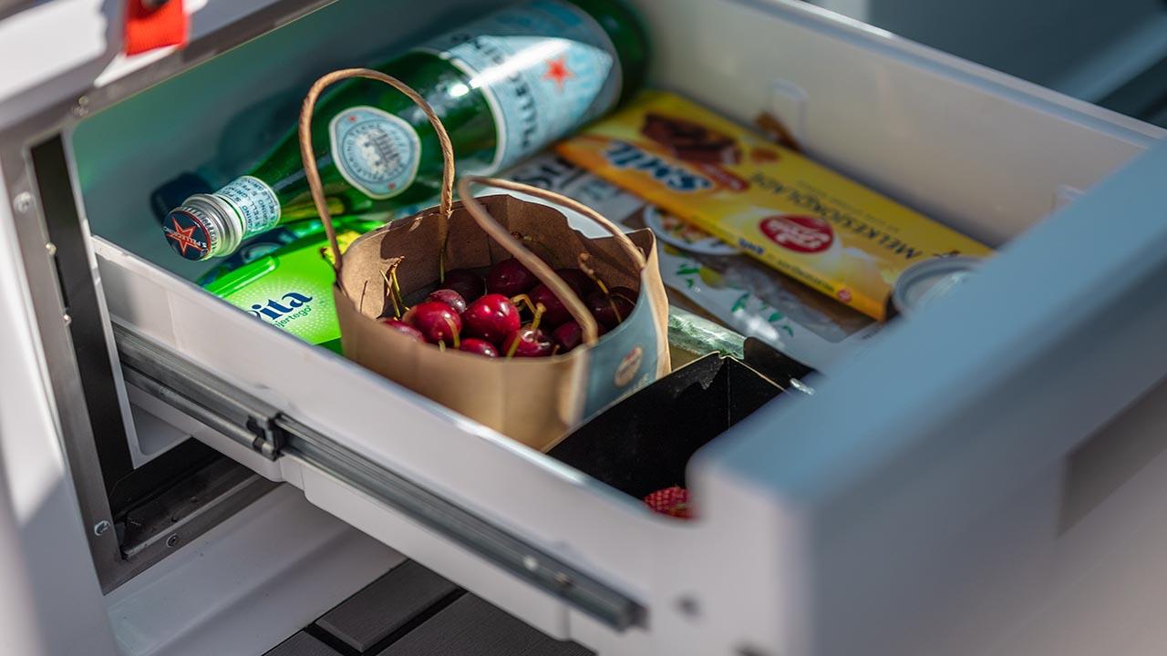 Noblesse 720 details - fridge