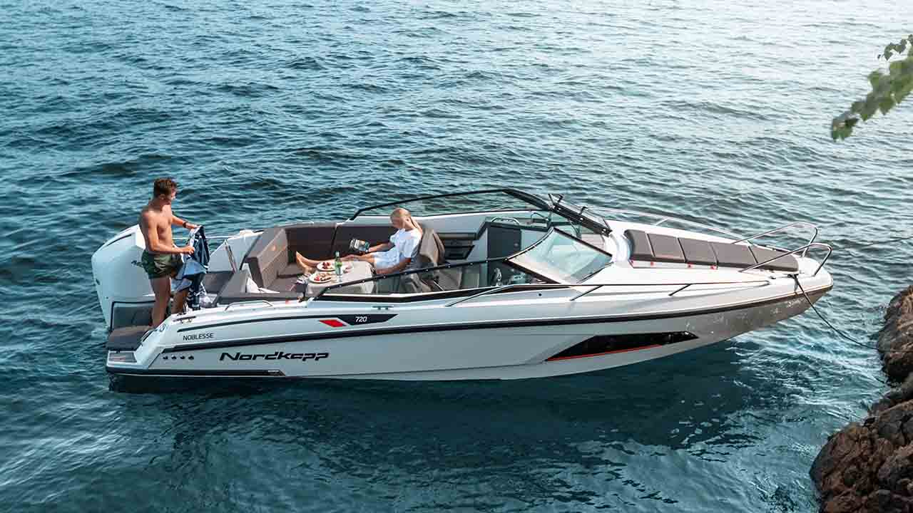 Noblesse 720 docked - boat overview 2