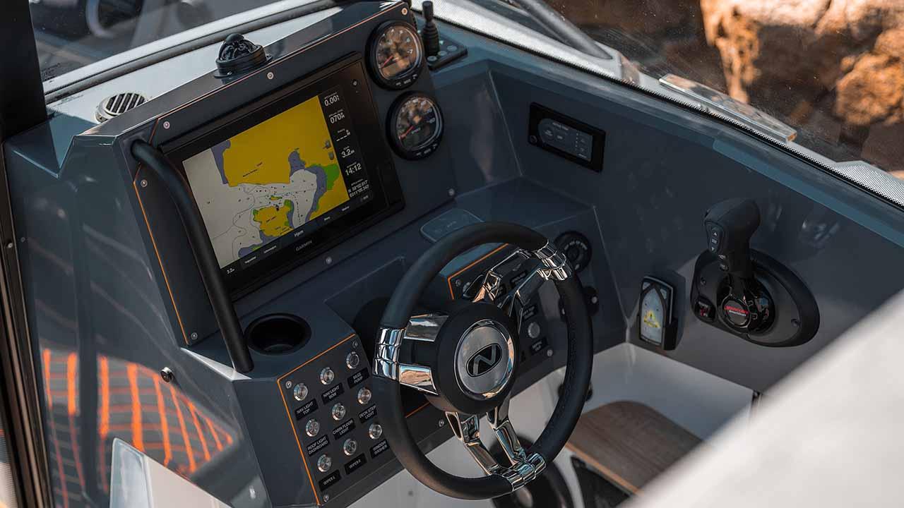 RS 800 C cockpit 2
