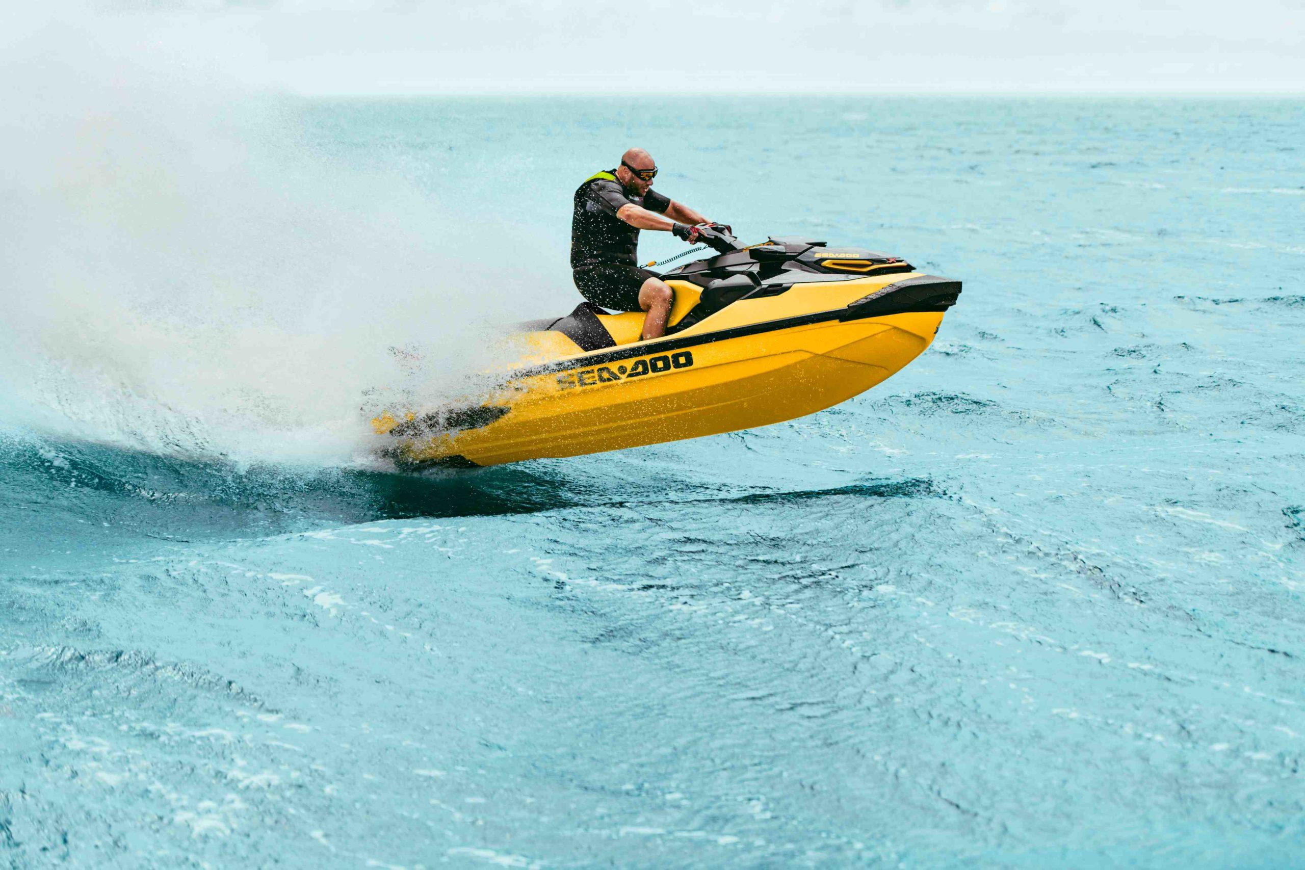 SEA-MY21-RXT-X-DB-Action-4565-R2-RGB