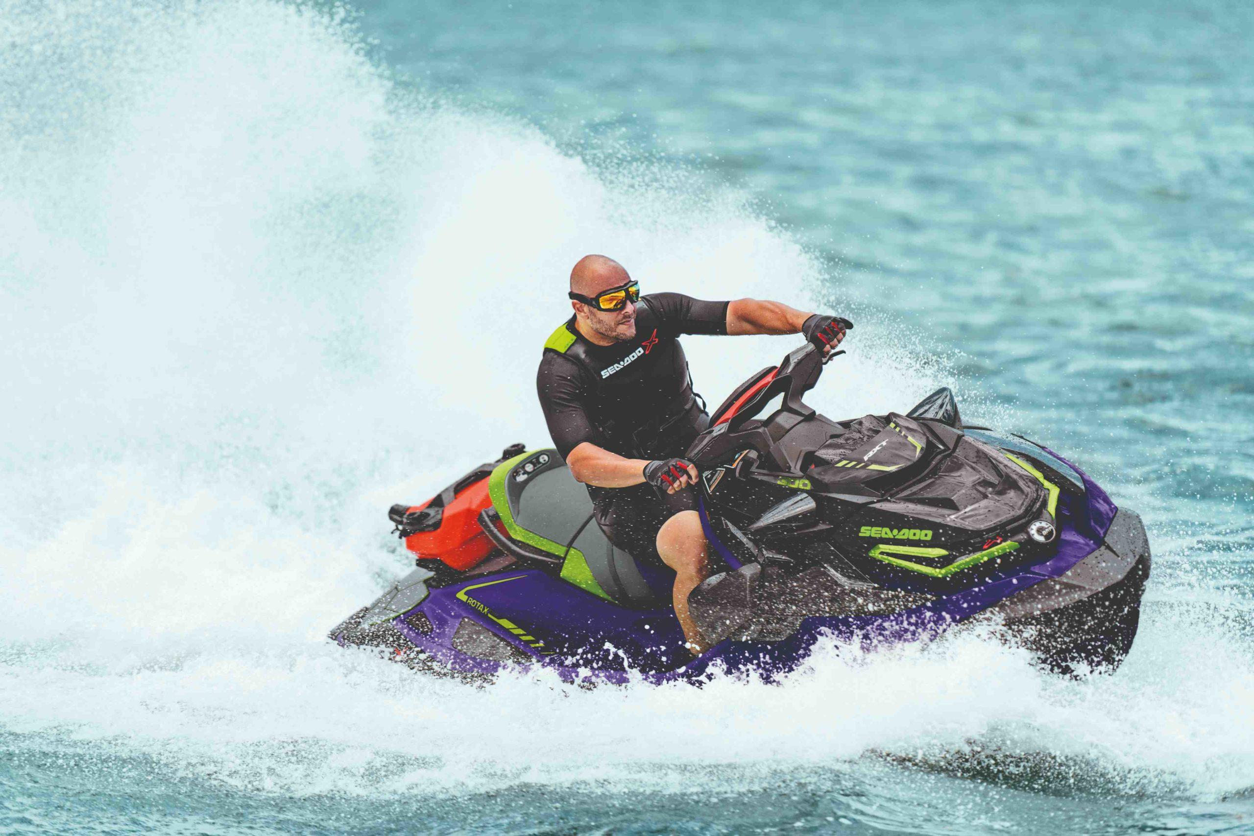 SEA-MY21-RXT-X-DB-Action-4944-R4-RGB