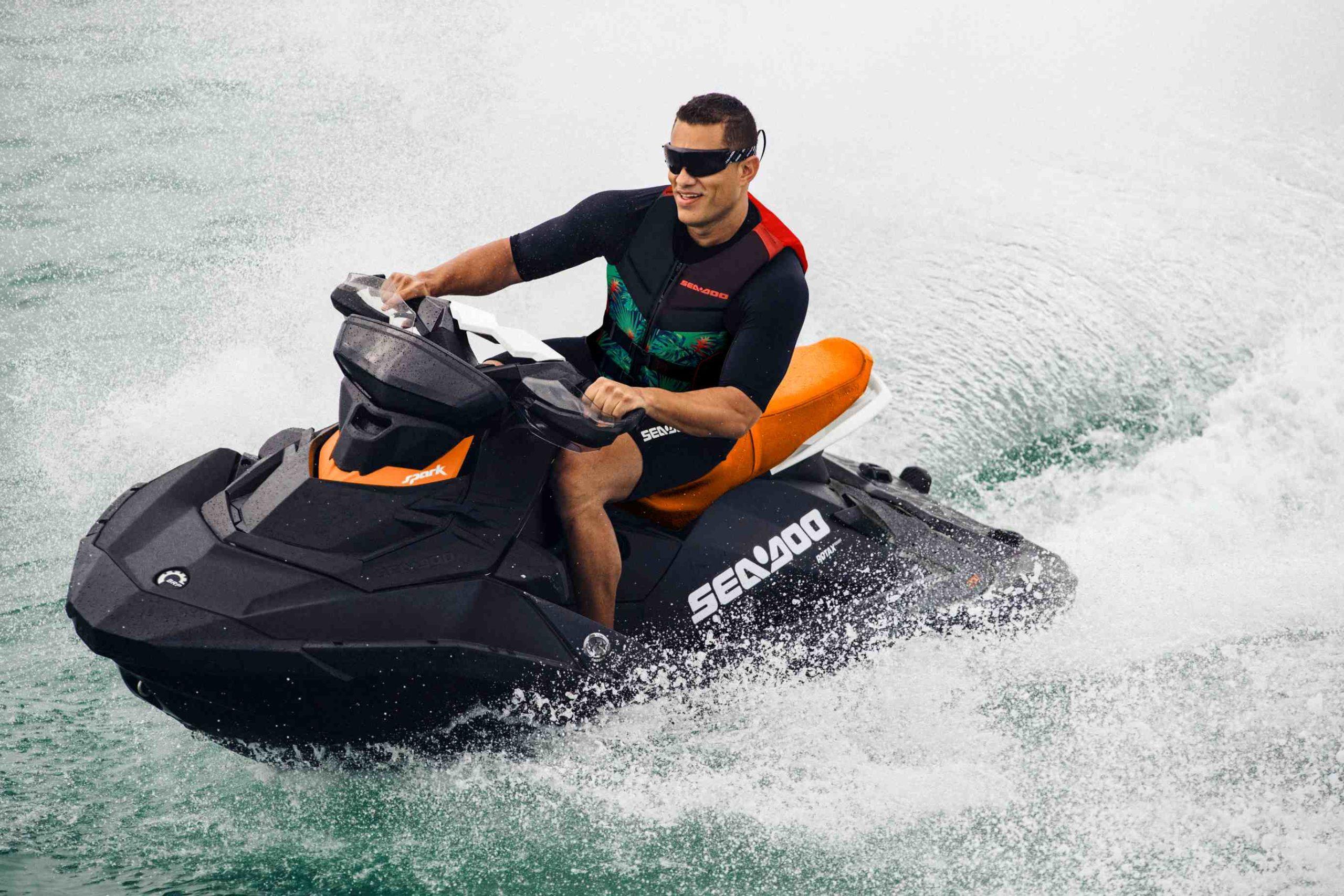 SEA-MY21-SPARK-Men-Riding-Alone-Action-RGB